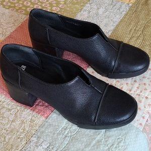 Camper Chunky Heel Shoe